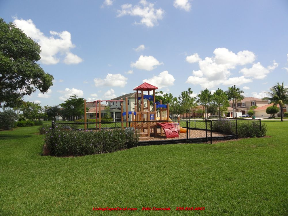 Coral Lakes Playground