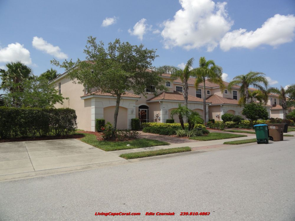 Coral Lakes Townhouse