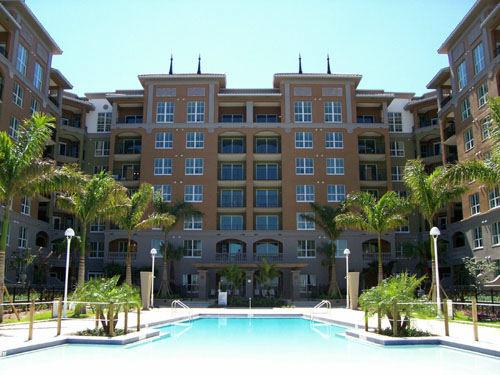 Alta Mar Building & Pool